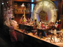 the_bay_christmas_window_2007.jpg