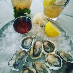 オイスター好き必見!Fanny Bay Oyster Bar & Shellfish Market