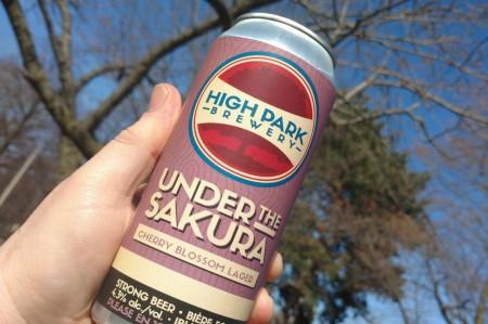 2017419-beer.jpg-resize_then_crop-_frame_bg_color_FFF-h_1365-gravity_center-q_70-preserve_ratio_true-w_2048_